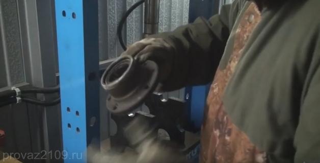 Как поменять задний ступичный подшипник на ВАЗ 2109